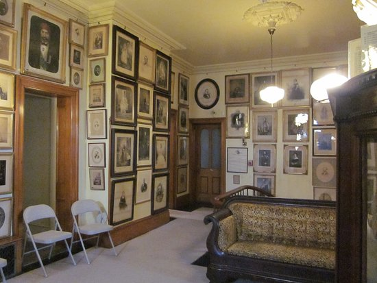 Seward House Museum: Portraits of notable people that William Seward met or corresponded with.