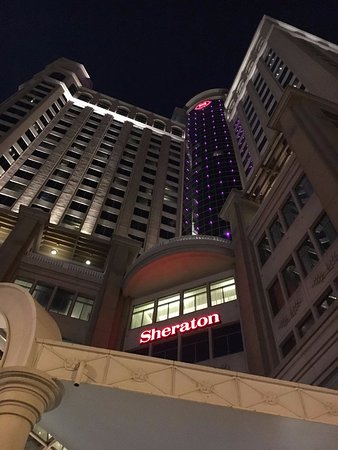 Sheraton Dubai Mall of the Emirates Hotel: área externa