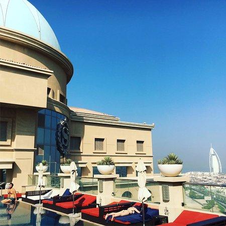 Sheraton Dubai Mall of the Emirates Hotel: Piscina na cobertura
