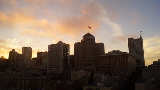San Francisco Marriott Union Square: Amazing room with a view...