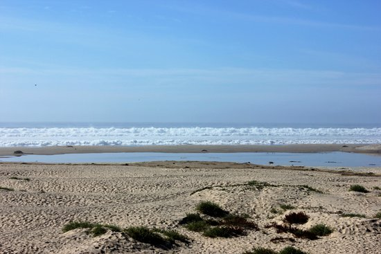 Oceano, CA: Big waves rolling in