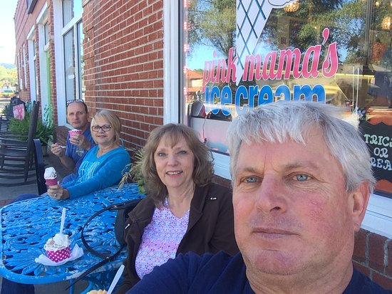 Yummy Ice cream and People watching in Travelers Rest