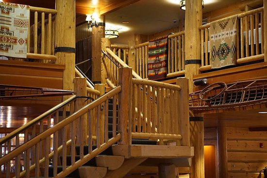 Heathman Lodge: Lobby area
