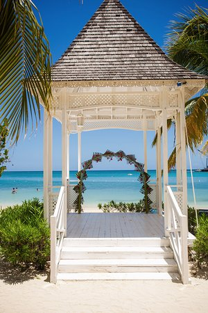 Hotel Riu Montego Bay Wedding Alter