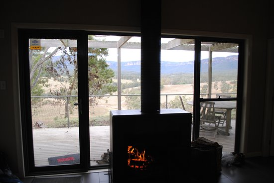 Megalong Valley, Australia: A heater with a serious view