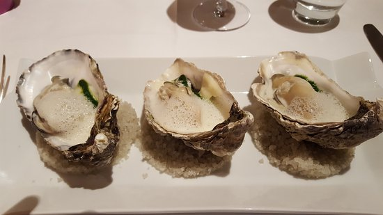 Hotel La Belle Etoile: Oysters on spinage