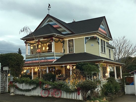 The Painted Lady Bed & Breakfast and Tea Room: Ready for the holidays 2016