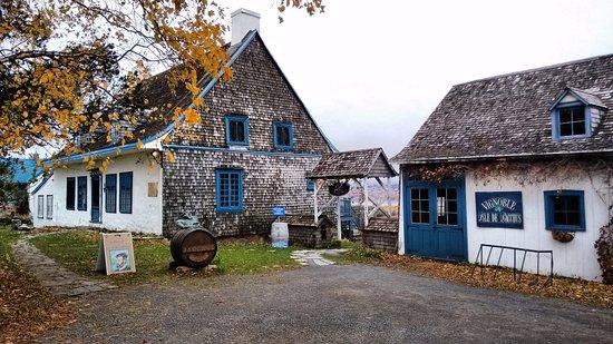 Saint Pierre d'Orleans, كندا: Pittoresque.