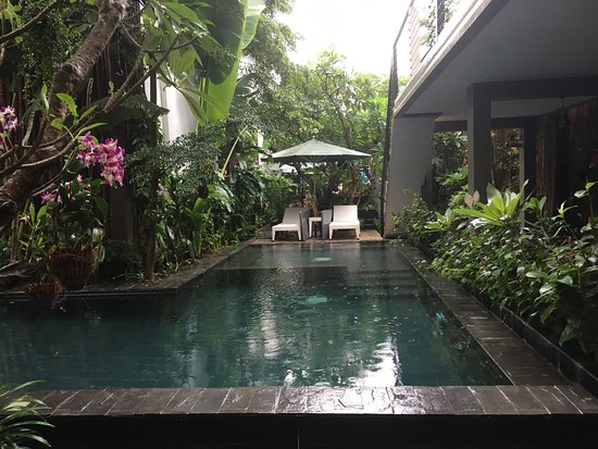 Sundeck picture of double leaf boutique hotel phnom for Best boutique hotels phnom penh