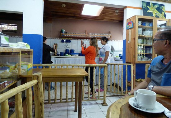 Artisans Cooperative Santa Elena and Monteverde: La cuchara de la Abuela (Grandma's Spoon)