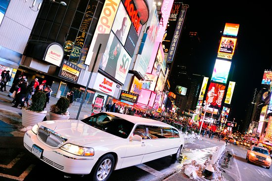 Yonkers, NY: NYC LIGHTS BY LIMO