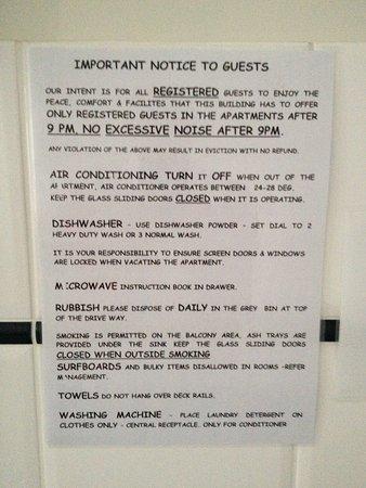 سانتا آن باي ذا سي: Guest information in room