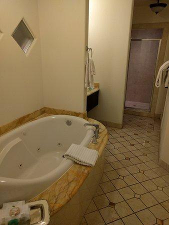 Andreas Hotel & Spa: bathroom room 217