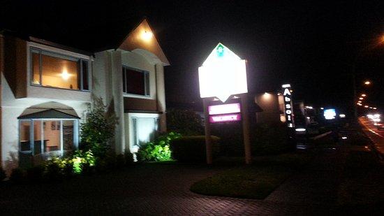 Great Lake Motel : 20161115_204000_large.jpg