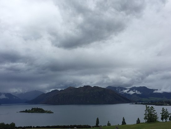 Rippon Vineyard: The view from the winery...... let's just say it's great. Even on a cloudy day.
