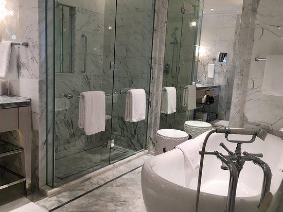 Bathroom Picture Of Four Seasons Hotel Jakarta Tripadvisor