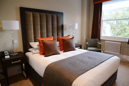 Refurbished Bedroom Picture Of Oatlands Park Hotel Weybridge Tripadvisor