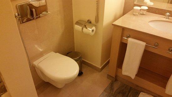 فندق موفنبيك و ريسوت: Bathroom