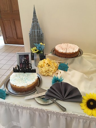 Irwin, Πενσυλβάνια: Beautiful speciality cheesecakes and cupcake cakes!!