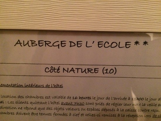 Auberge De L'ecole : This was our awful room