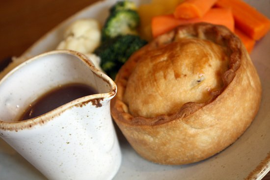 Tivetshall St. Mary, UK: Steak & Ale Pie