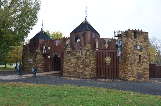 Carbondale, IL: The castles other side