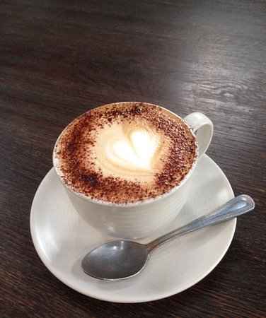 Стритли-он-Темз, UK: Had a superb cappuccino made by Madelina