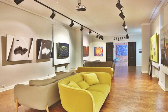 Dystans Gallery