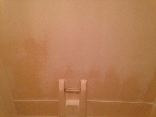 Daleville, AL: stains in bathtub