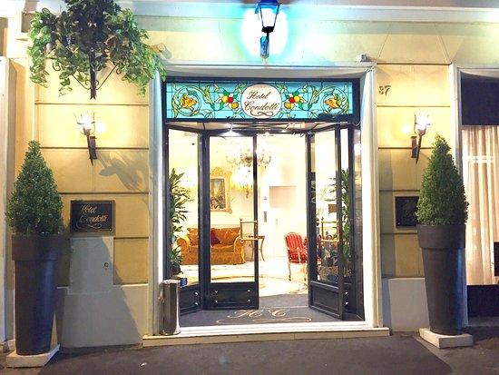 Condotti Hotel: Entrée de l'hôtel