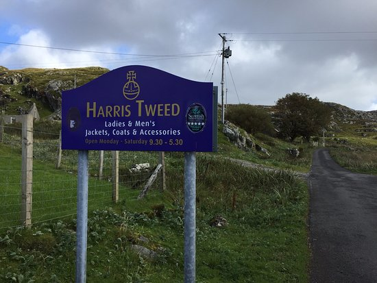 Tarbert, UK: Harris Tweed shop just a few minutes drive from the B&B.