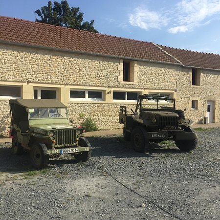 Tracy-sur-Mer, France: Jean-Claude offers area tours in these vintage WW2 jeeps.