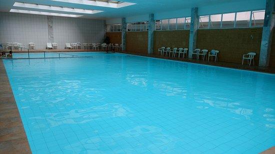 Hotel Monte Real: Piscina aquecida, coberta e com hidro