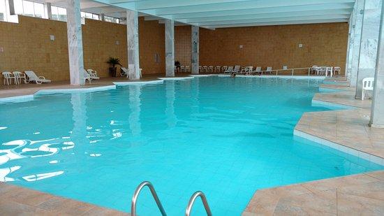 Hotel Monte Real: Piscina coberta aquecida (prof. 1.4m)