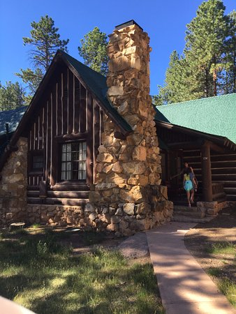 The Lodge At Bryce Canyon: Western Cabin Quad Room, Very Spacious And Super  Close