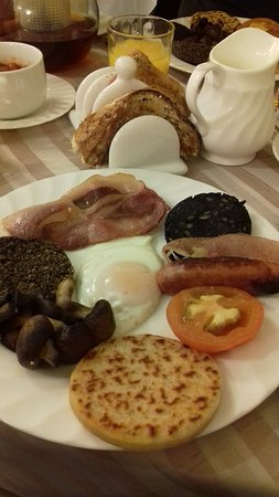 Edinburgh House: Breakfast