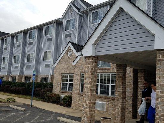 Microtel Inn & Suites by Wyndham Nashville: 20161115_084740_large.jpg