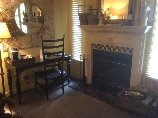 Farmhouse Inn & Restaurant: A warm fire if needed
