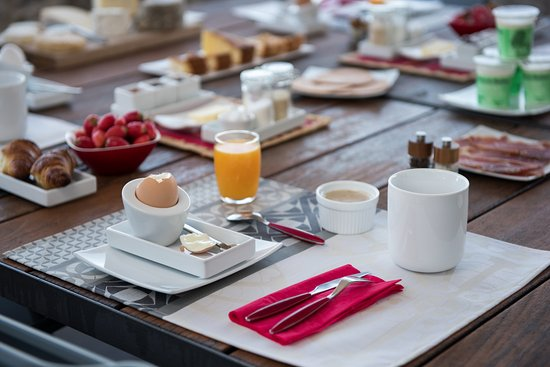 Balazuc, France: Le petit déjeuner