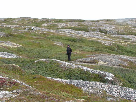 Battle Harbour, Canadá: walking the well worn paths.