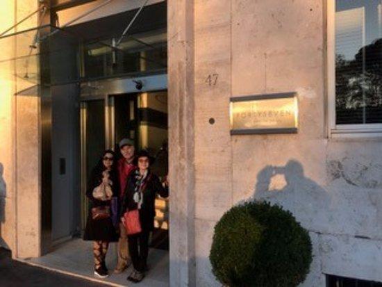 Fortyseven Hotel Rome: Front door. Way better inside.