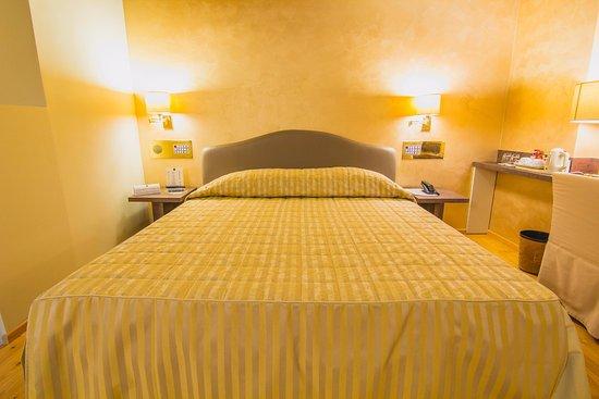 Hotel Parco Borromeo: Camera Matrimoniale