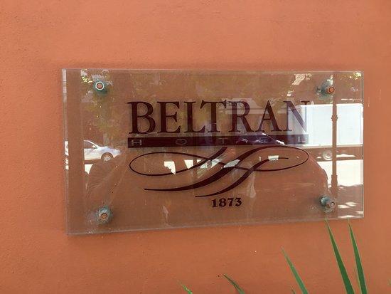 Hotel Beltran: Placa do hotel