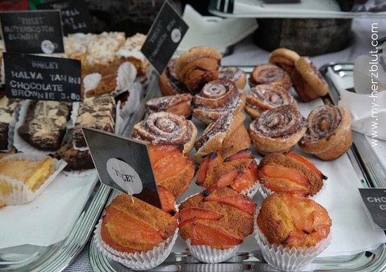 Broadway Market: Polenta w/peach cakes, cinnamon rolls
