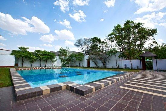 Pool - Picture of The WoodsVilla Resort, Jaipur - Tripadvisor