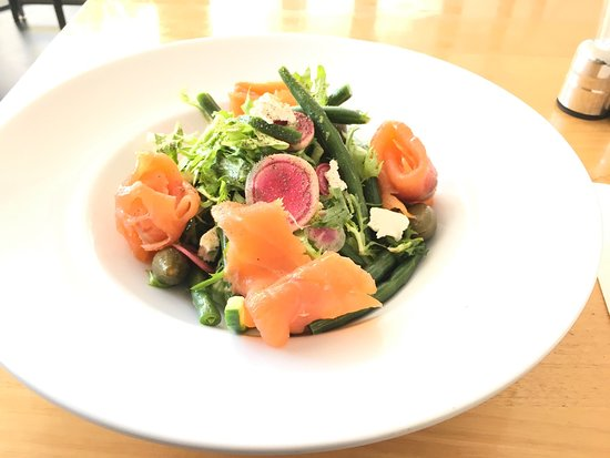 Salmon salad with caper berries !