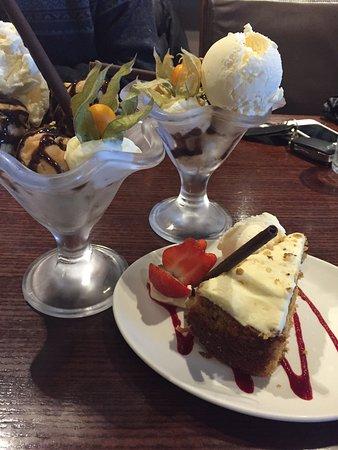 Henrys Bar & Restaurant: photo0.jpg