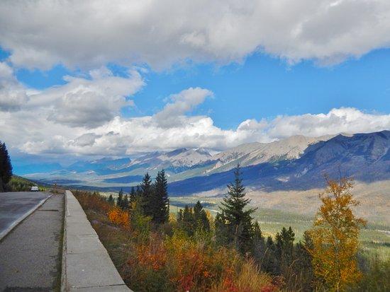 Kootenay National Park, Canada: Sinclair Pass Viewpoint