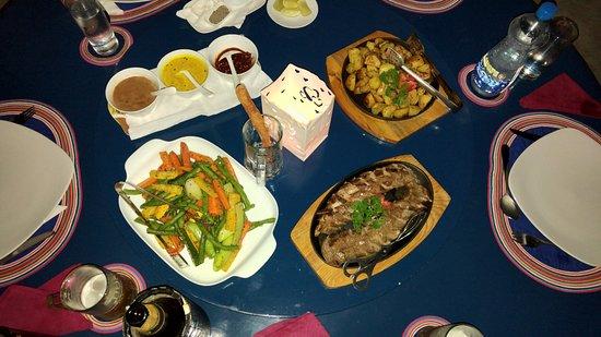 Ayubowan Swiss Lanka Bungalow Resort: Abendessen!