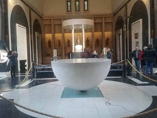 Meritxell, Andorra: Esto es como un altar